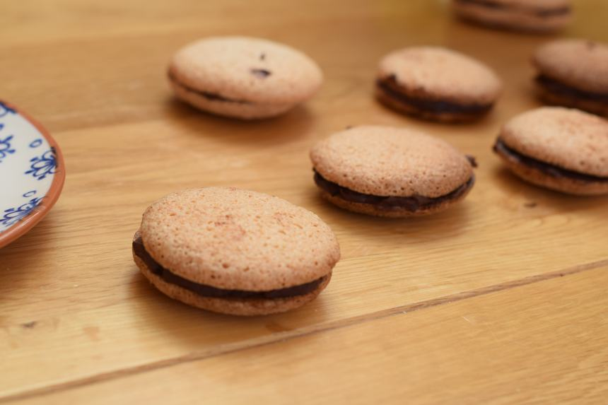Quick and Easy Macaron Recipe With Chocolate Ganache